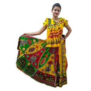 Garba Outfits For Girls With A Set of Lehenga, Top & Dupatta